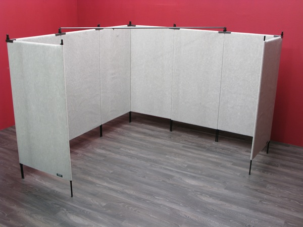10' x 10' Corner Booth with (8) 7' Original Pro Panels