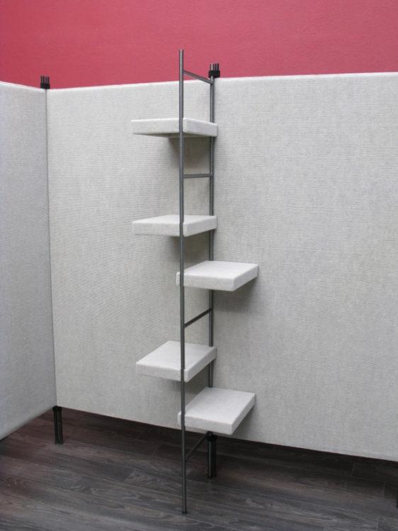 7' Ladder Tree